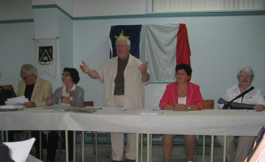 Rencontre des Drapeau à Sainte-Luce le jour de la fête des Acadiens, le 15 août 2015. De gauche à droite Michel, Claire, Alexandre, Louise et Denise. Photo de Nicole Drapeau